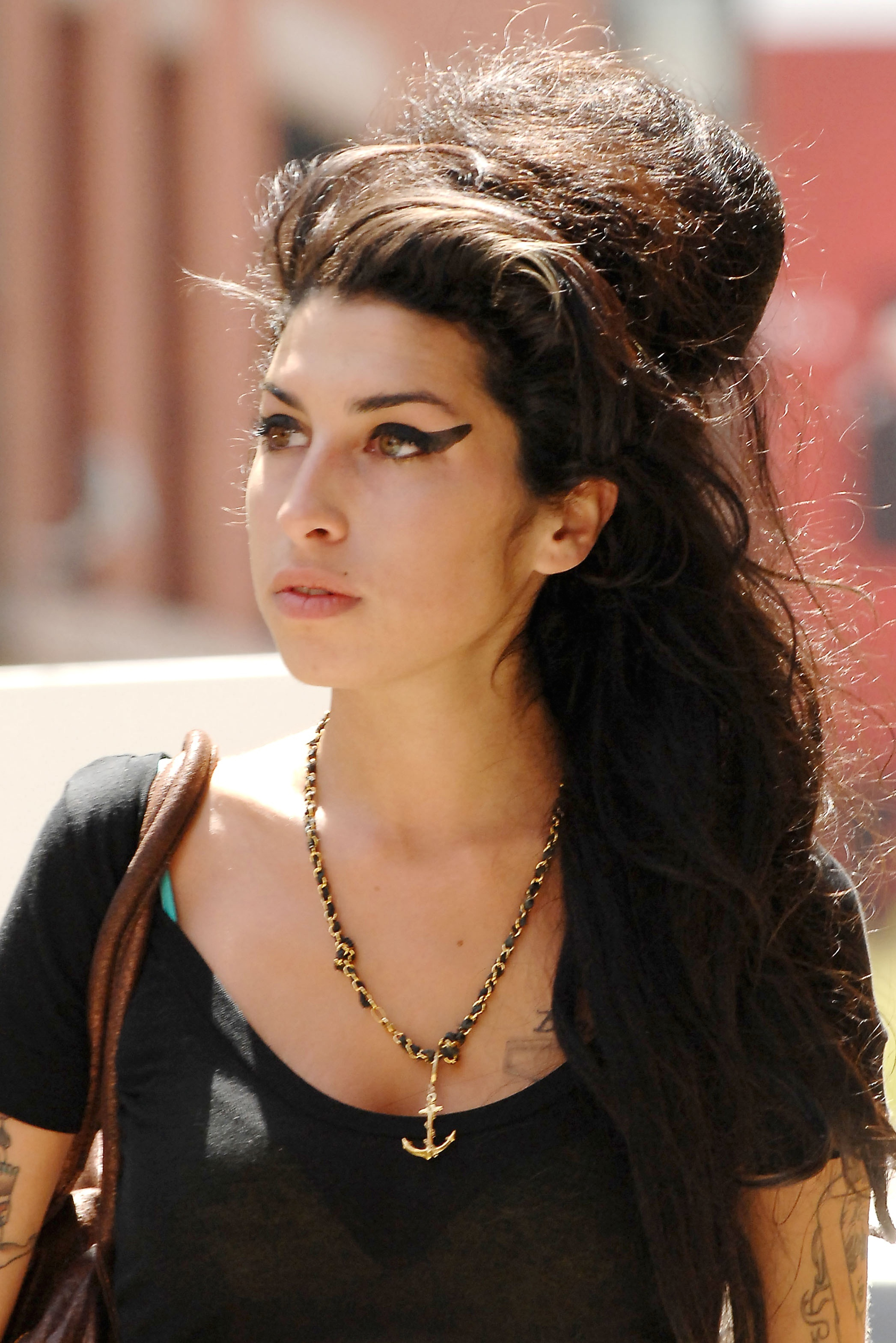 AMY WINEHOUSE – A TRAGEDY NO-ONE STOPPED | Maria Tedeschi Amy Winehouse